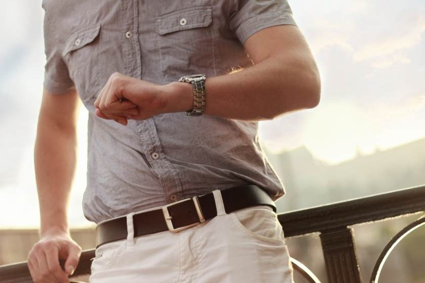 fashion-man-wristwatch-model-large